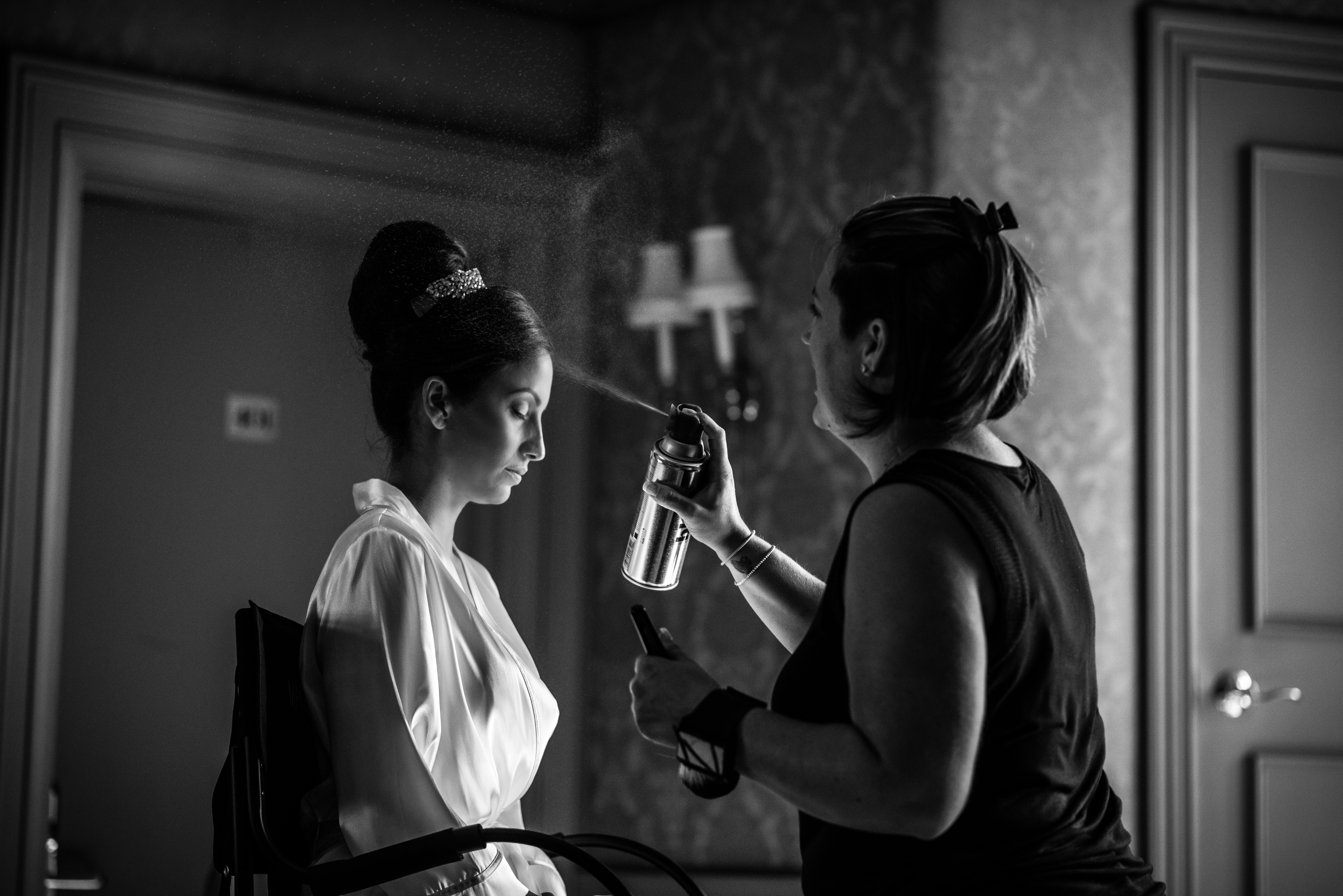 Bride getting hair done at Oheka Castle | Lotus Wedding Photography