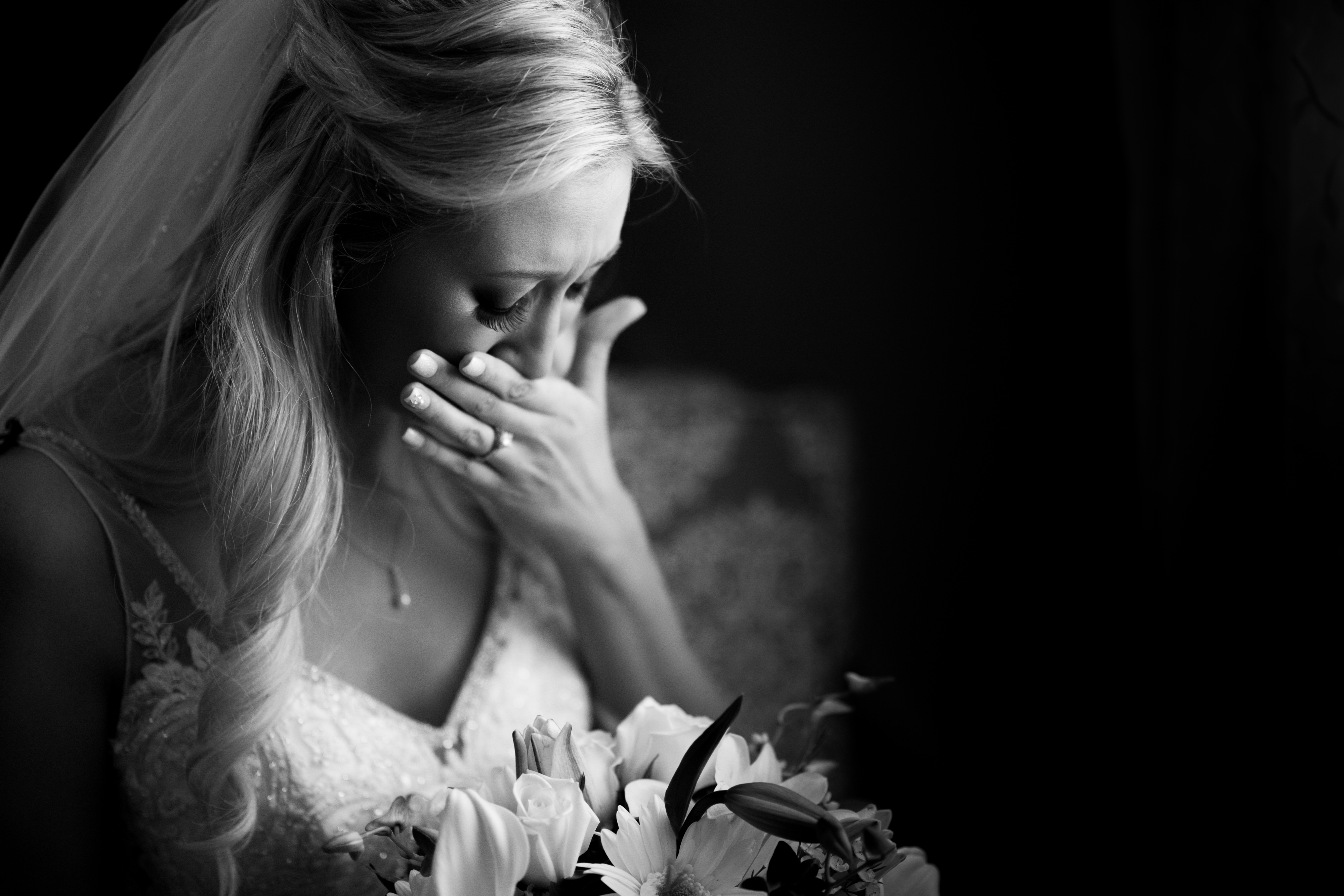 Bride Getting Ready at Fox Hollow | Lotus Wedding Photography